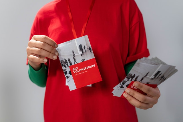 5 Advantages of Using a Brochure convey information
